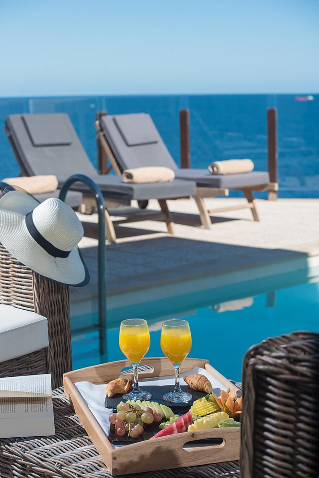Suite Independent pool sea view