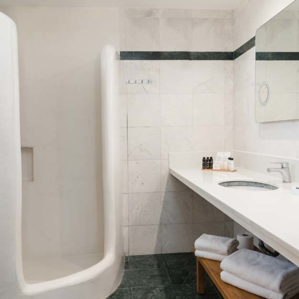 Suite with Independent pool bath 20