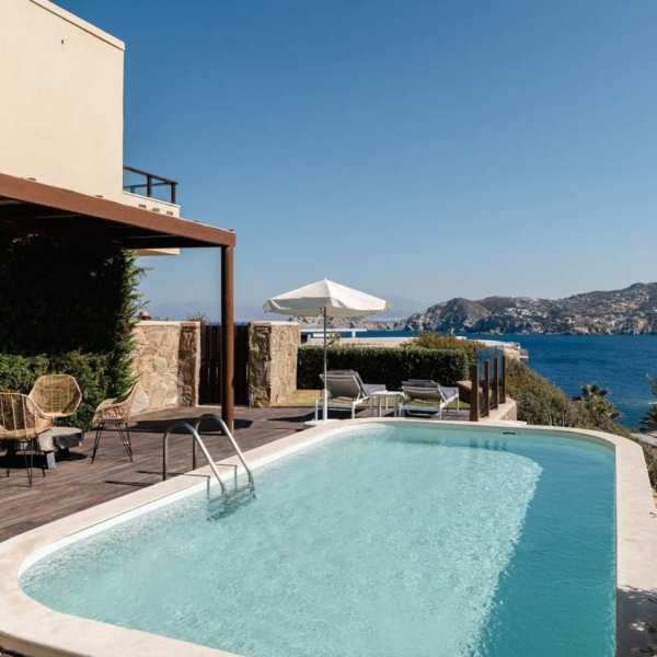 Suite with Independent pool terace 10
